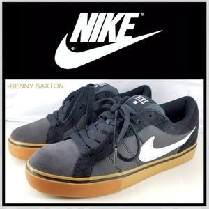 Nike Isolate LR Skateboard Sneakers 487936-011